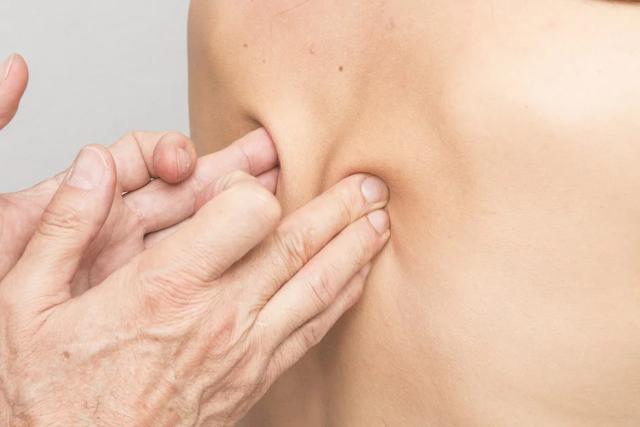 lower back massage, deep tissue massage, therapeutic massage